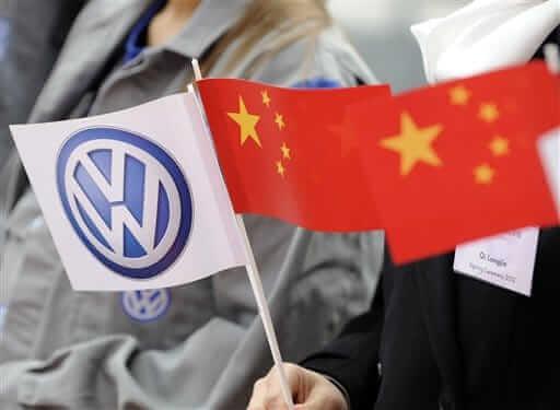 Euro Stocks Fall from VW Scandal, China's Bleak Outlook